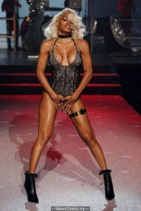 Teyana Taylor sexy at Philipp Plein fashion show during New York Fashion Week