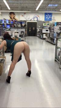 Fuck me now – wife flashing ass in store