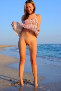 Virgin teen pussy flashing on the beach