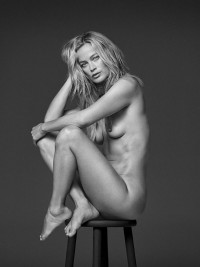 Carolyn Murphy fully nude black-&-white inage | Celebs Dump
