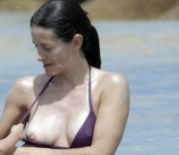 Courteney Cox Nipslip