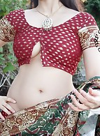 Indian girl full nude photos