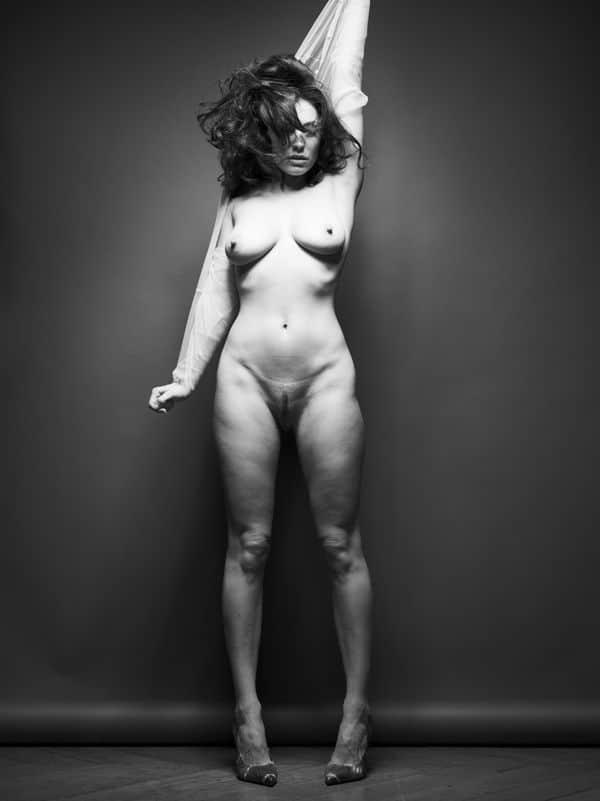 Kelly Brook Nude – Old Photoshoot