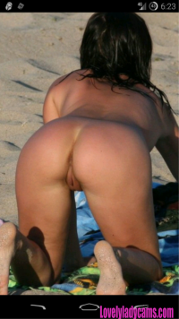 Hot amateur ass exposed on the beach