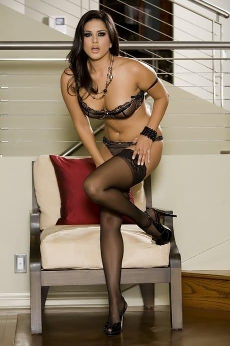 Stunning hottie in black stockings Sunny Leone adores erotic photo shoot – Nude Sex Pics
